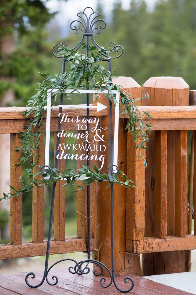 summer-wedding-ideas-colorado-acrylic-signage
