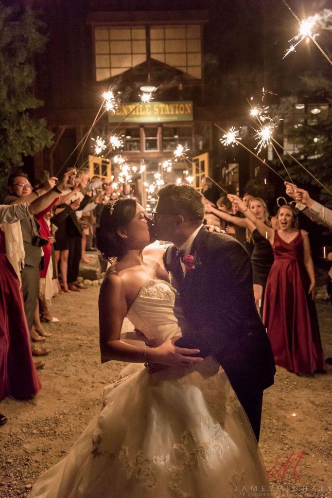 summer-wedding-ideas-colorado-sparklers