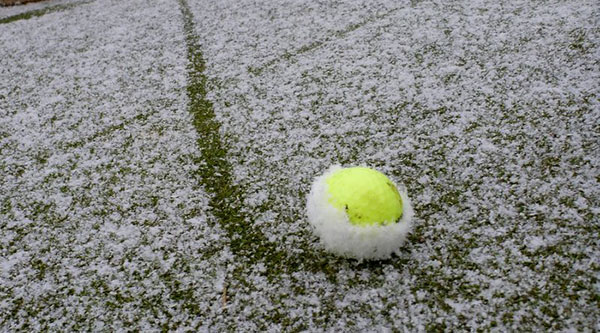 Colored Golf Balls for Winter, image: myusualgame.com