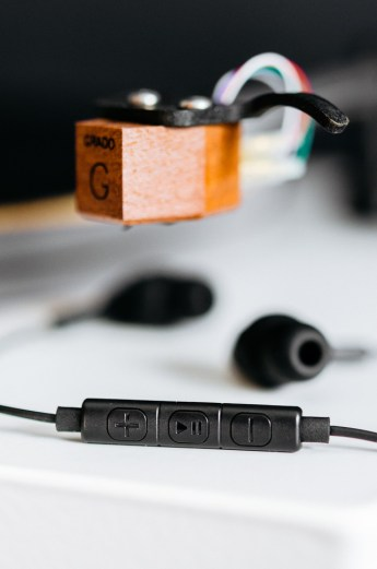 Grado iGe In-Ears with Mic & Remote on Turntable