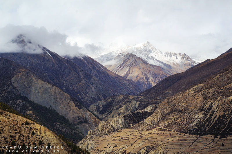 Fotografie de peisaj cu valea Manang, Himalaya, Nepal 2010. Radu Dumitrescu.