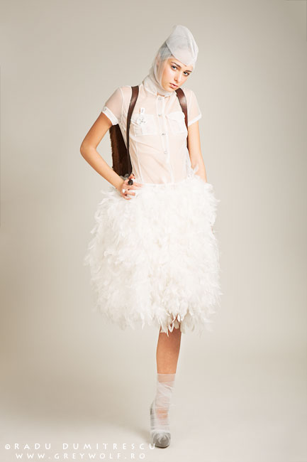 Fotografie de moda, fotografie de studio - colecție Fashion Designer Carmen Emanuela Popa - imagine realizată de Radu Dumitrescu