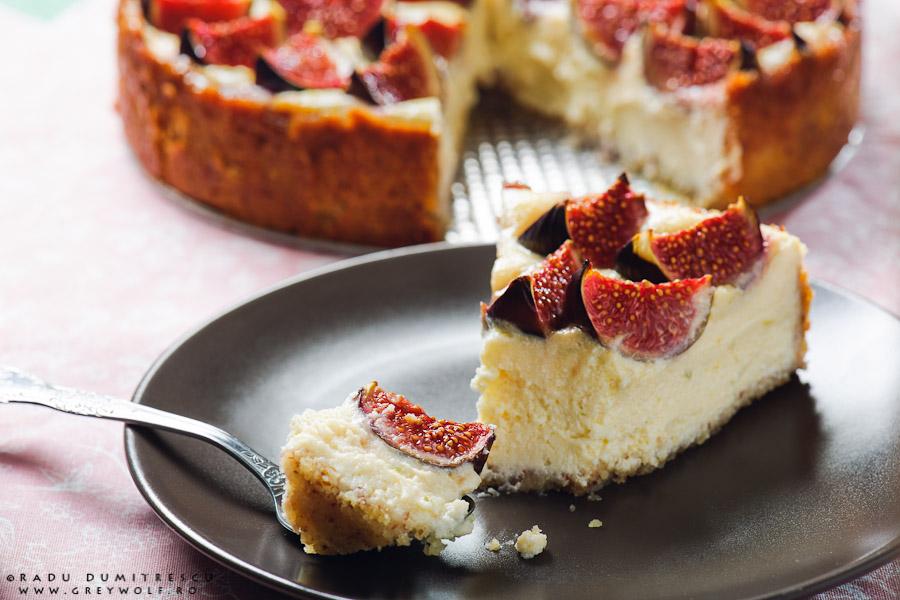 Fotografie culinară cu cheesecake cu smochine