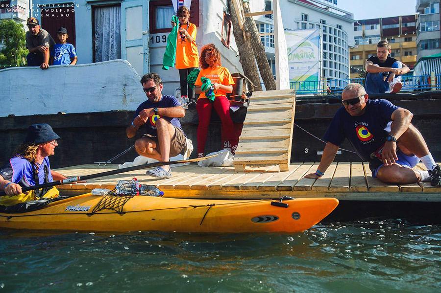 Sosirea în portul Tulcea, asistată de voluntarii Rowmania și TID