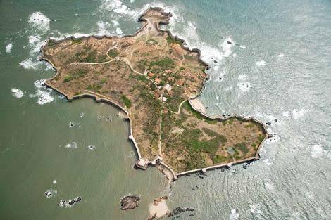 Sindhudurg Sea Fort, Maharahstra  Image Cortesy: Kaustabh Khare  Image Source