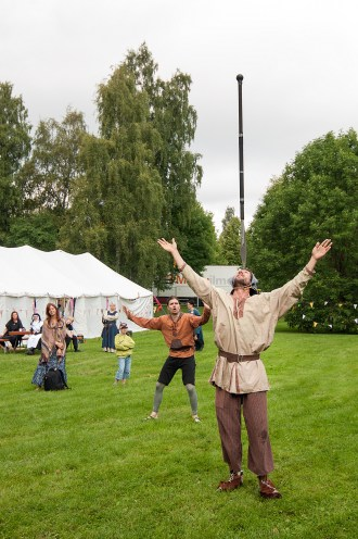 The spectacular, amazing AND modest jester Yrvänä!