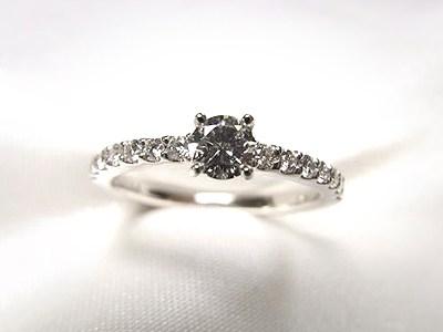 ご家族のダイヤをリフォームして人気のエタニティ風のエンゲージリングへ【神戸 元町】