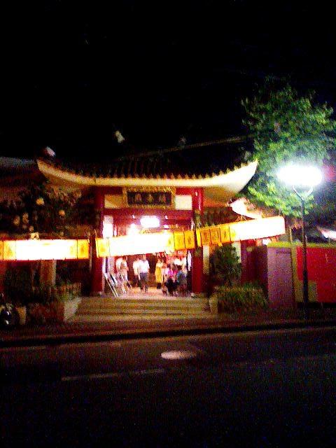 8月末 夜の関帝廟