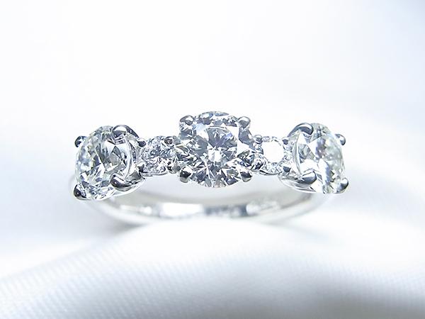 3ストーンネックレスをキラキラダイヤモンドリングへリフォーム【神戸 元町】