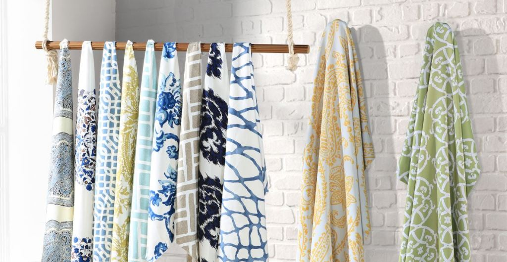 Using Patterned Curtains to Add A Splash of Spring Color