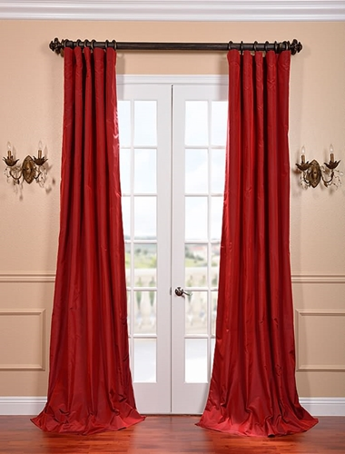 Bold Ways to Incorporate Your Curtains into Your Décor