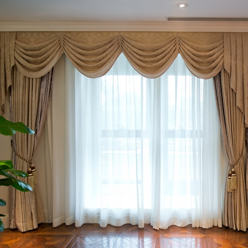 Does Closing Curtains Really Help to Keep a Room Cool?