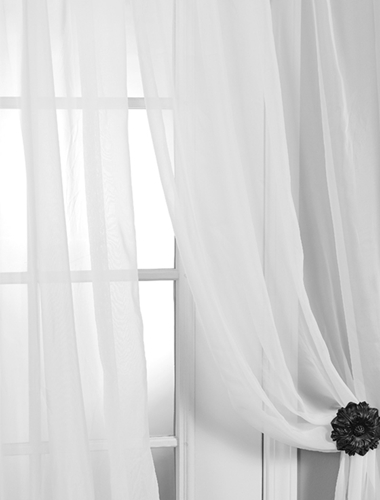 Are Sheer Curtains Gaining in Popularity?