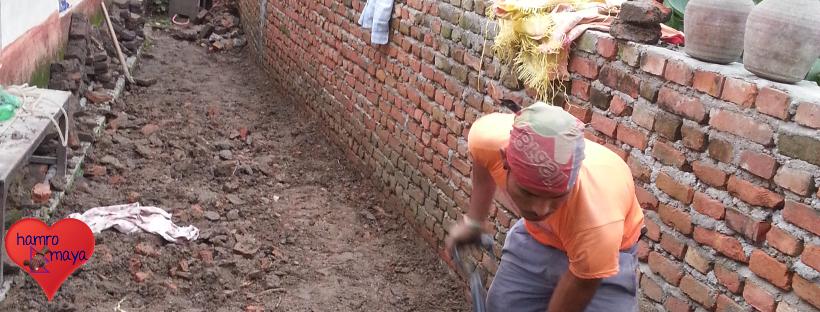 Aufbauarbeiten in der Behindertenschule