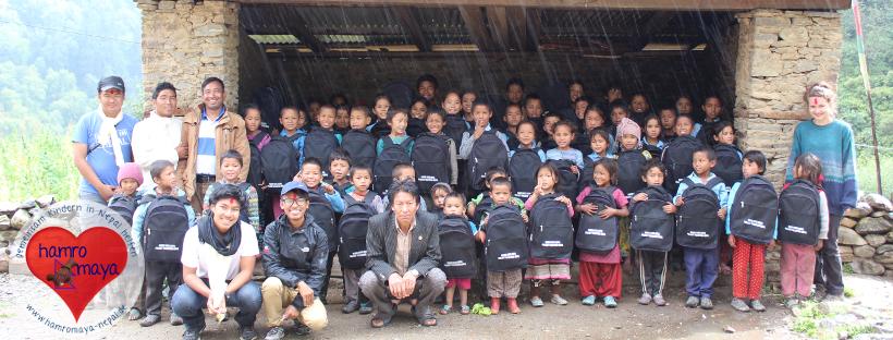 Eine Schultasche für jedes Kind in Lower Dolpa