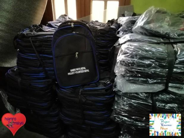 1.000 Schultaschen - noch nicht einmal die Hälfte der benötigten Menge.