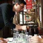 Repartiendo lotes de cerveza