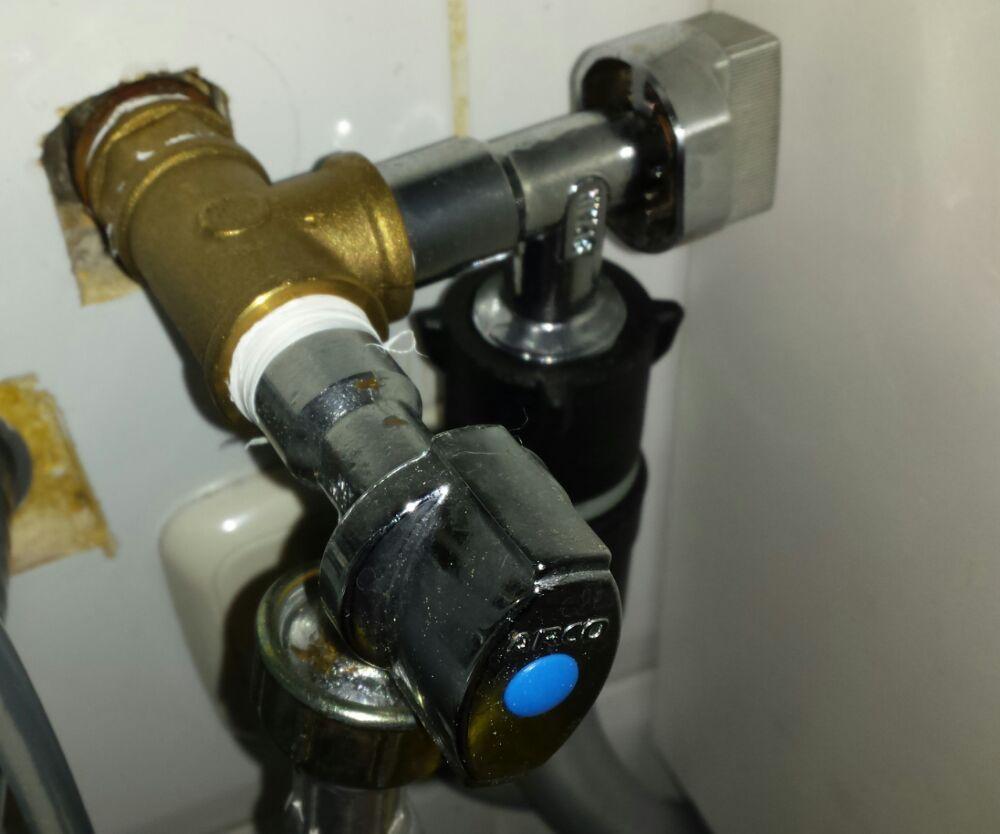 A ade un grifo a tus tomas de agua para homebrewing - Instalar un lavavajillas al fregadero ...