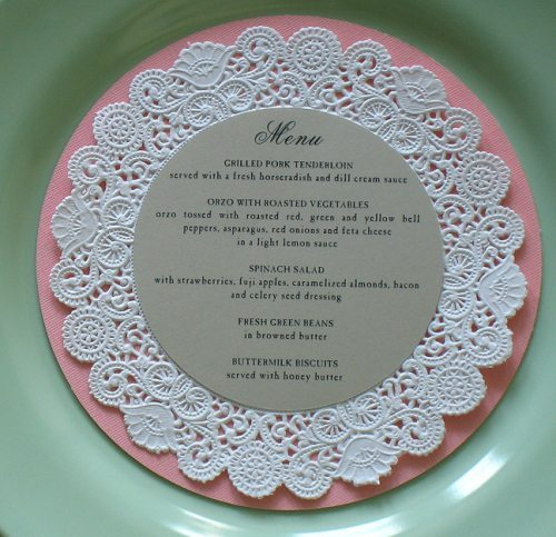 diy mariage menu napperons de dentelle happy chantilly. Black Bedroom Furniture Sets. Home Design Ideas