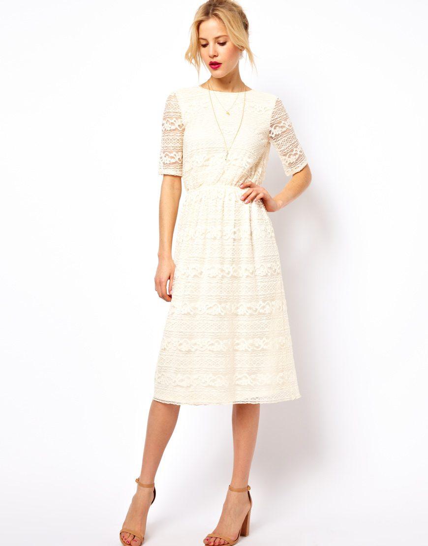 la robe du dimanche robe blanche en dentelle dos nu. Black Bedroom Furniture Sets. Home Design Ideas
