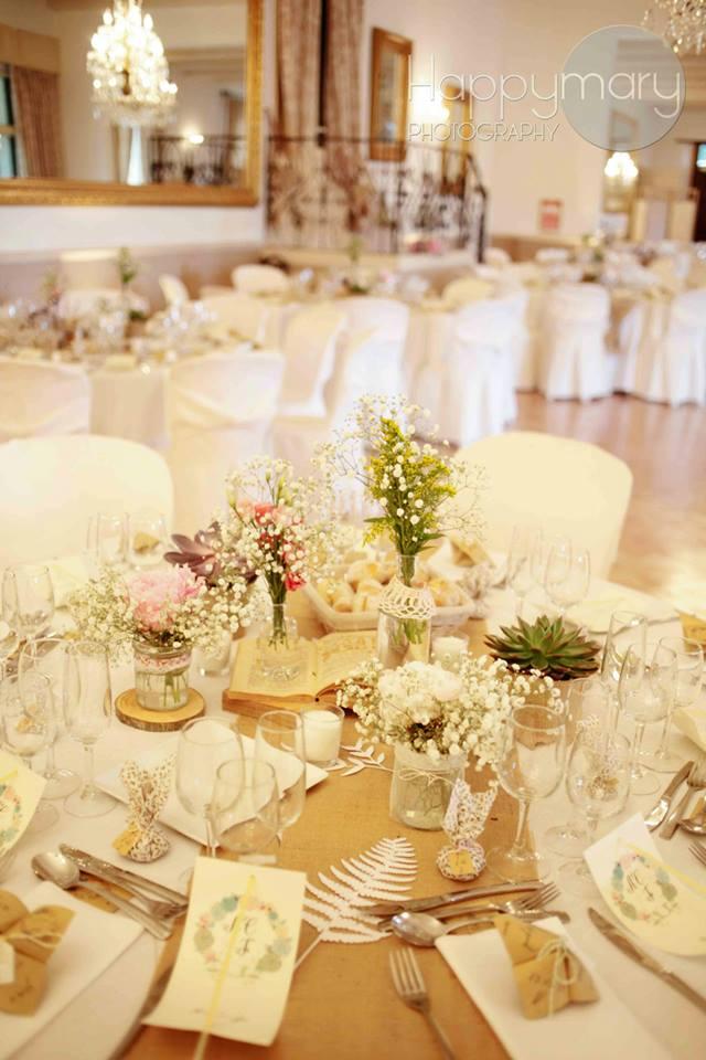 Notre mariage la d coration de table for Chemin de table beige