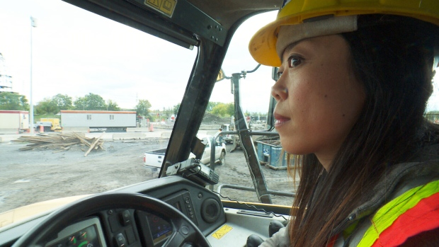 Québec woman construction worker