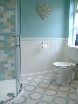 Rachel's bathroom in Parquet Eggshell by Neisha Crosland