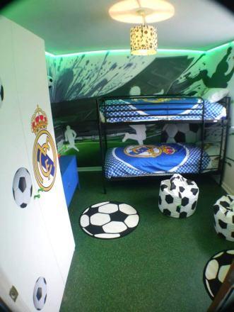 James' bedroom in Imagination Meadow Grass