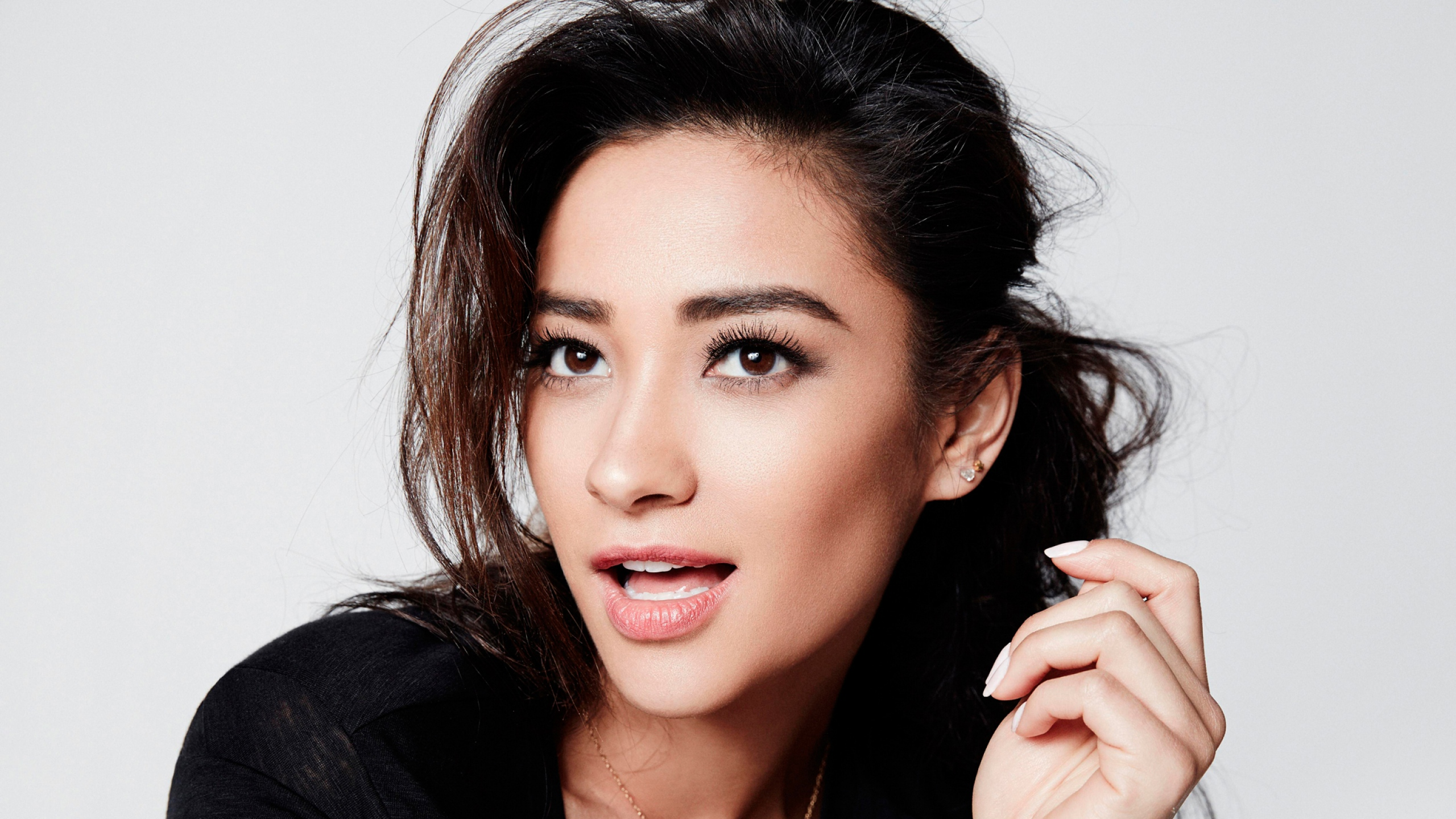 16 Beautiful HD Shay Mitchell Wallpapers