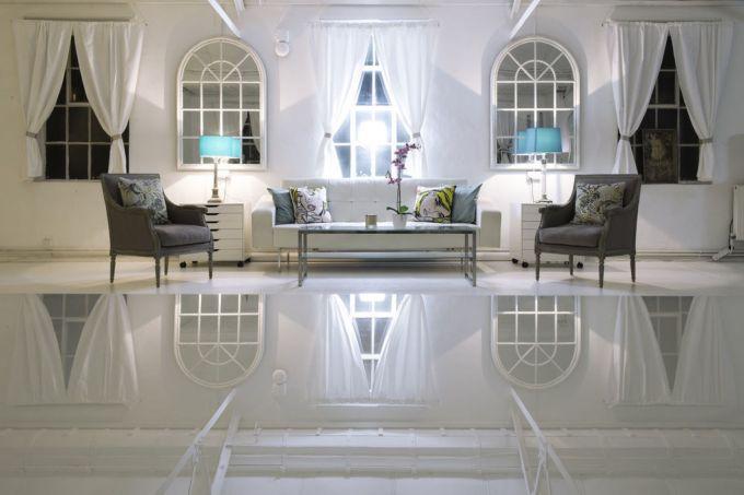 white wash loft meeting Space