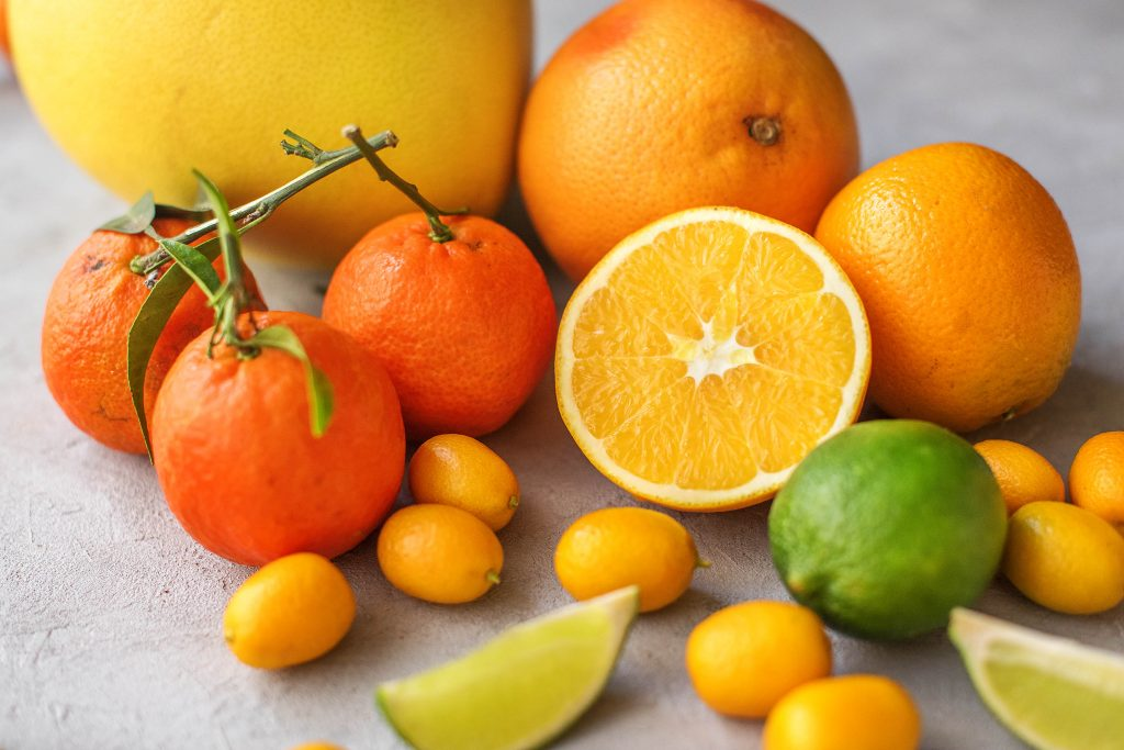 Zitrusfrüchte Liste: Pomelo, Mandarine, Orange, Kumquat, Limette