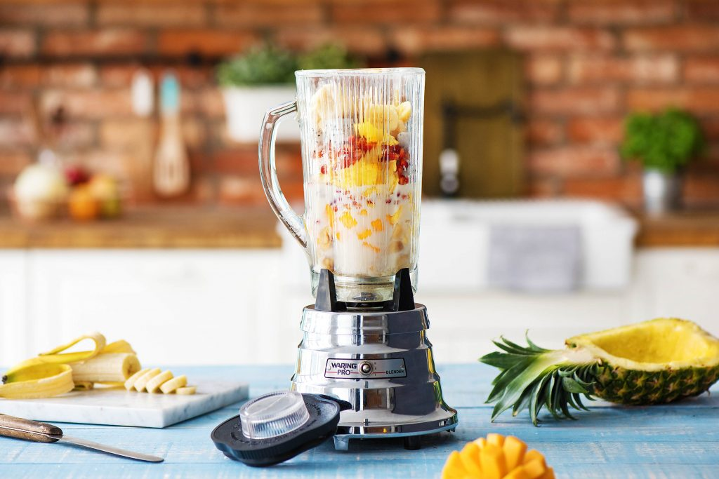Unsere exotische Ananas Smoothie Bowl: Ab in den Mixer