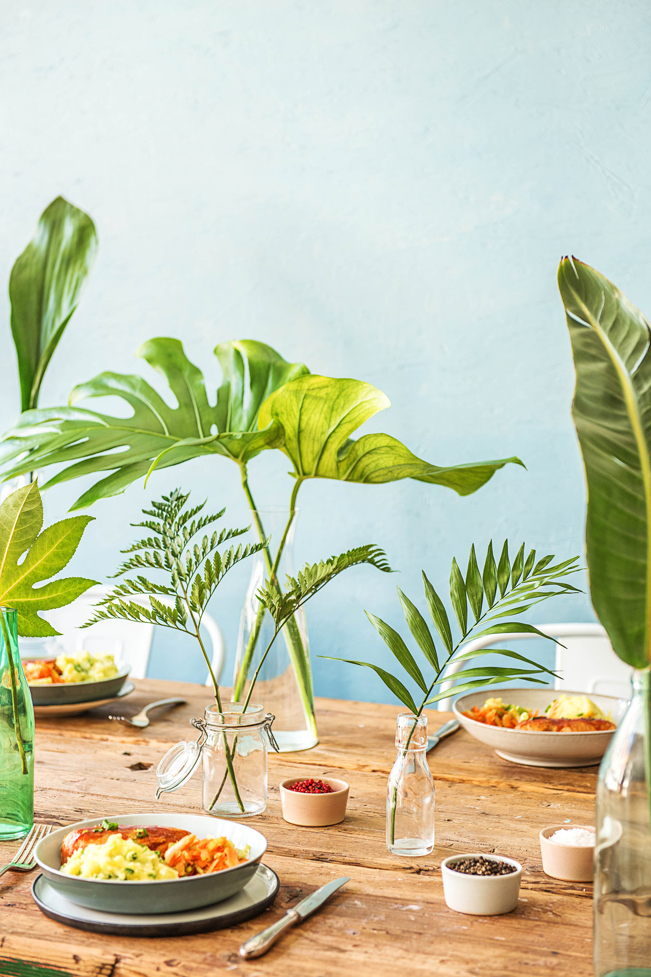 Green table setting & A Leafy Green Table Setting to Warm Up Your Winter   HelloFresh Blog