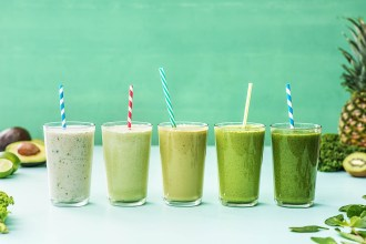 5 Smoothies to Spring into Spring