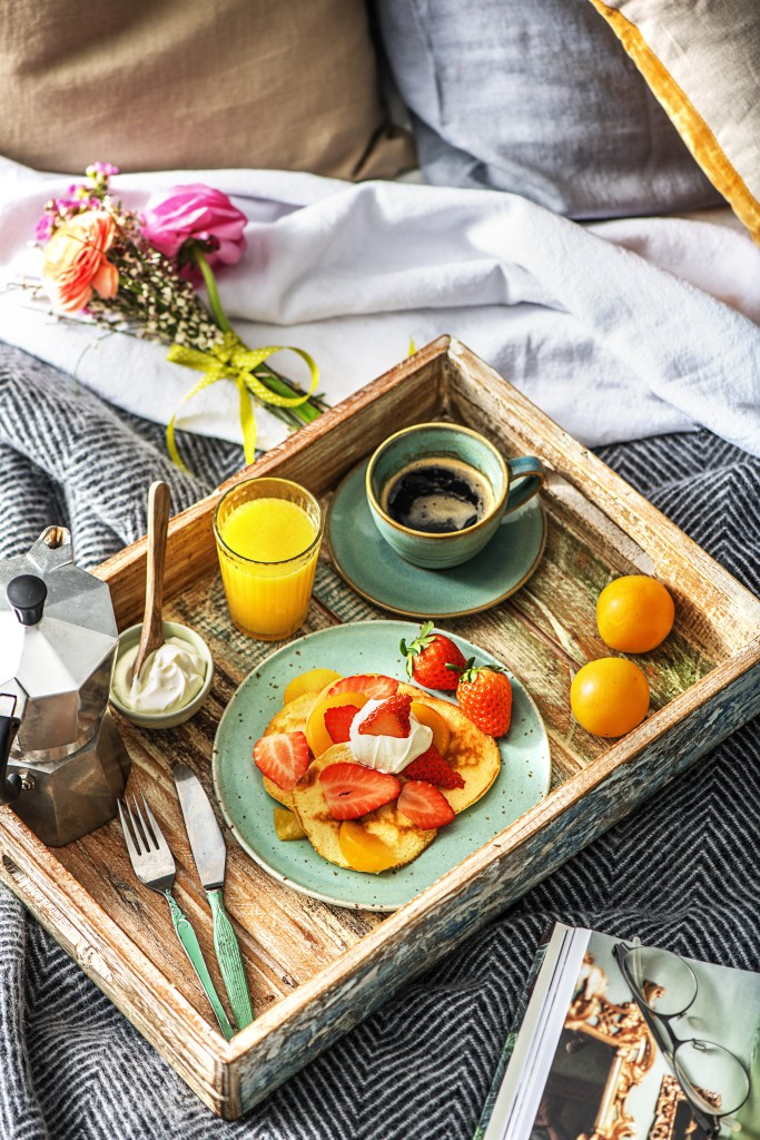 The best mothers day breakfast in bed recipes hellofresh food blog we all love a little bit of pampering once in a while especially when it involves food combine two of our favourite things breakfast and bed forumfinder