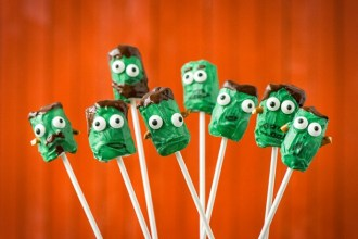 Frankenstein Marshmallow Sticks For Halloween!