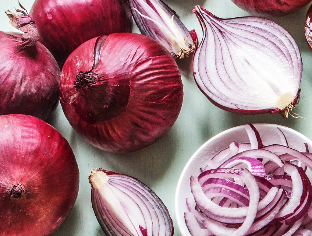 foods-for-heart health-red-onion-HelloFresh