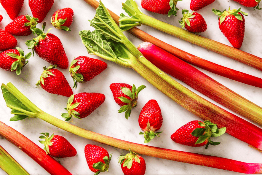 strawberry rhurbarb-spring-fruit-hellofresh