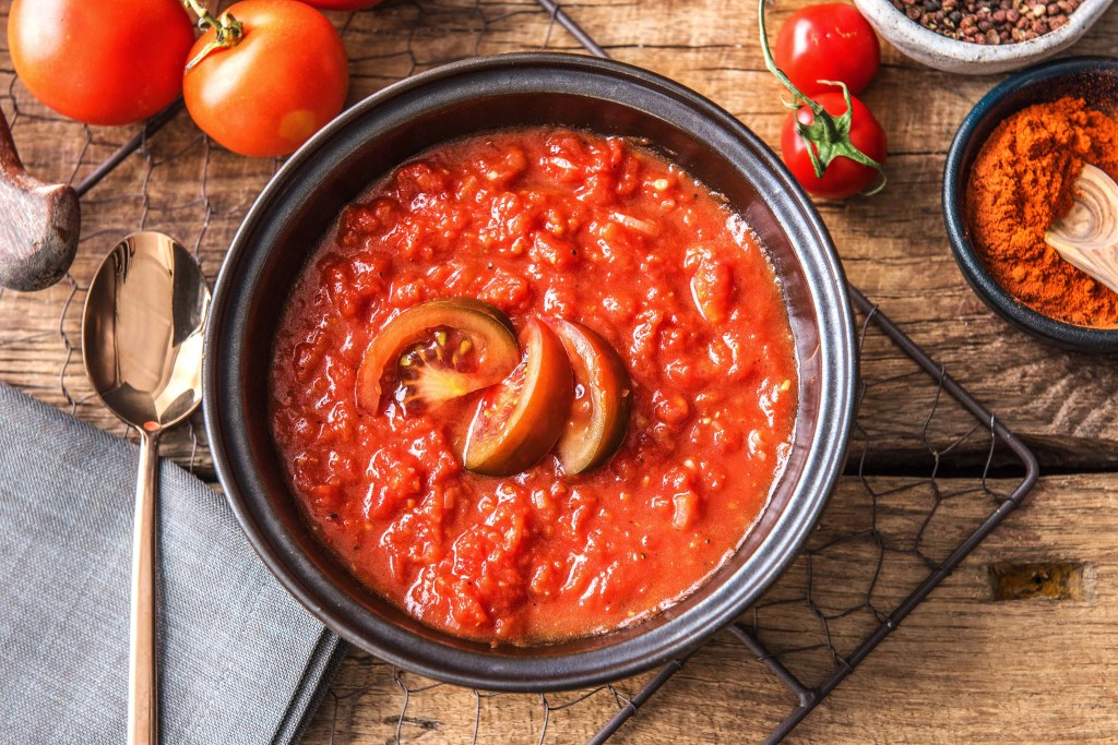 vegetarian soup recipes-red-tomato-paprika-colorful-HelloFresh