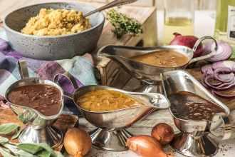easy turkey gravy-recipe-HelloFresh