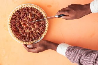 hostess gifts-HelloFresh-pecan pie