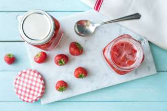 difference between jelly and jam-HelloFresh-strawberry