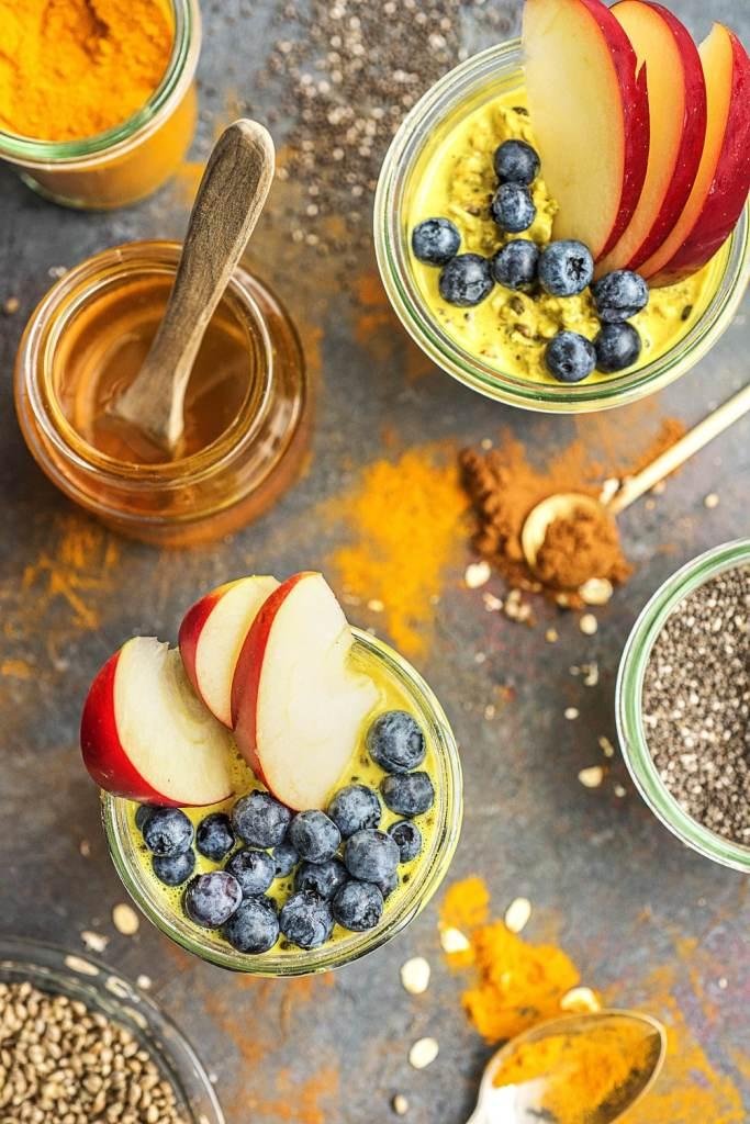 how to make overnight oats-HelloFresh-golden-milk