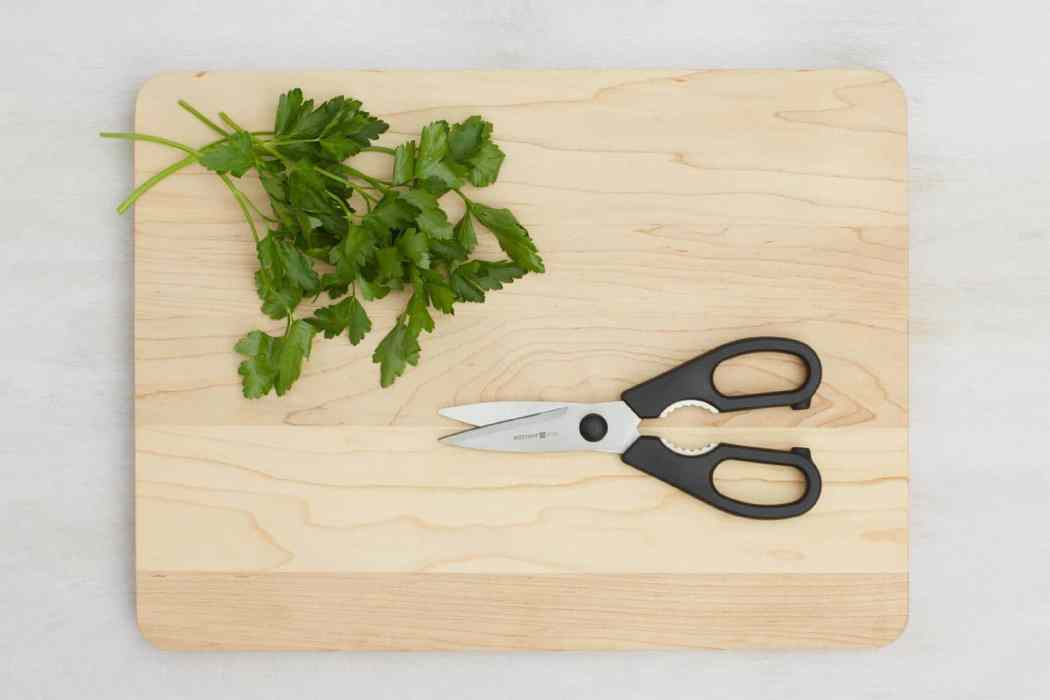 cooking hacks-HelloFresh-kitchen shears