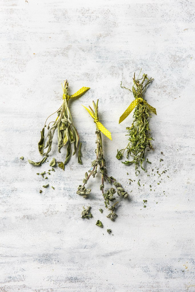 repurpose-fresh herbs-HelloFresh-dried-spice-blends