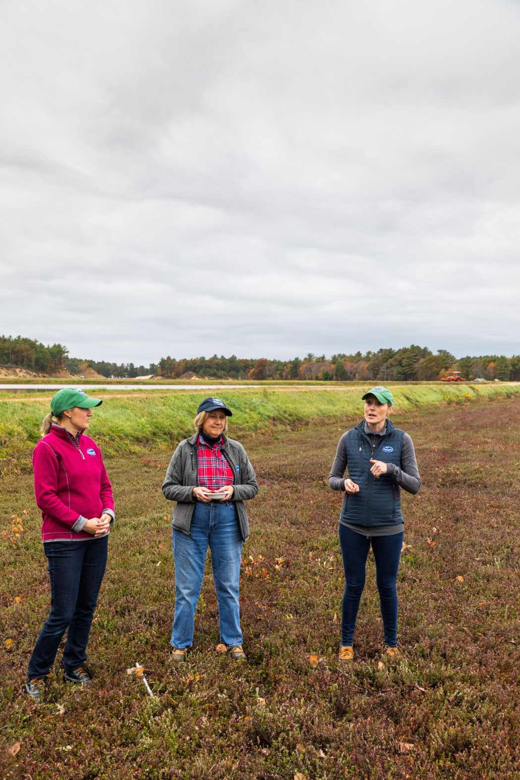 you-should-be-eating-cranberries-for-breakfast-other-important-life-lessons-we-learned-at-cranberry-bog