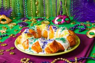 Easy King Cake Recipe With Crescent Rolls