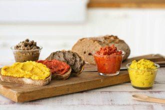 Veganer Aufstrich in Schwarz-Rot-Gold