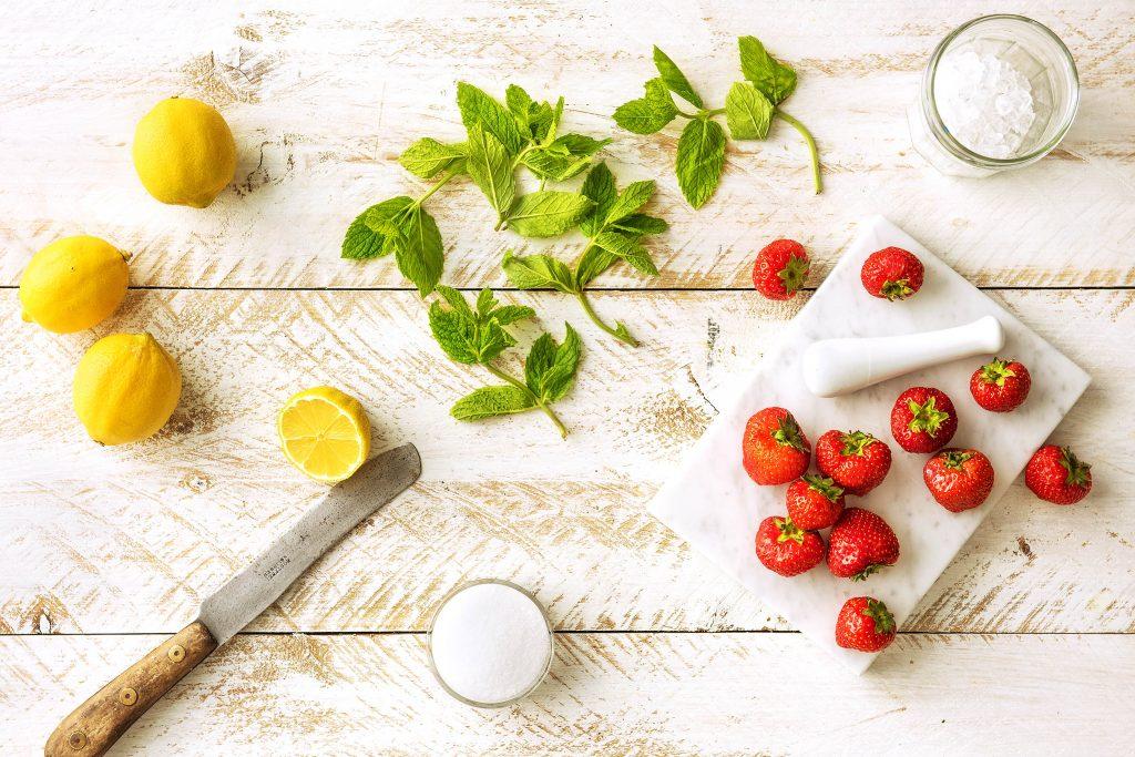Selbstgemachte Limonade mit Erdbeeren: Preparation