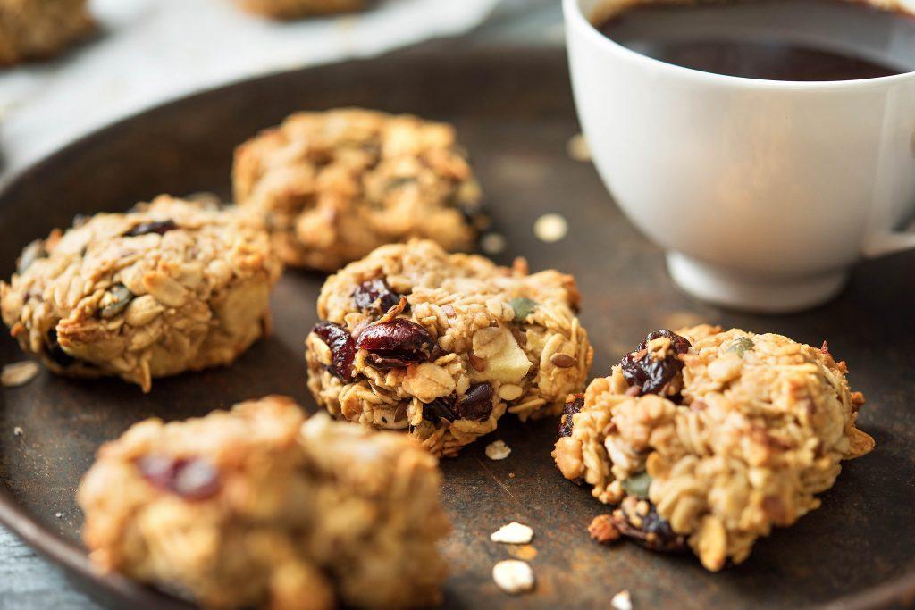 Gesundes Frühstück mit Apfel-Hafer-Keksen: Kekse